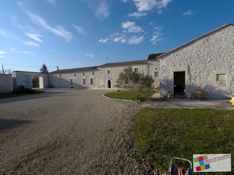 Vente maison / villa Bourg charente 466400€ - Photo 1