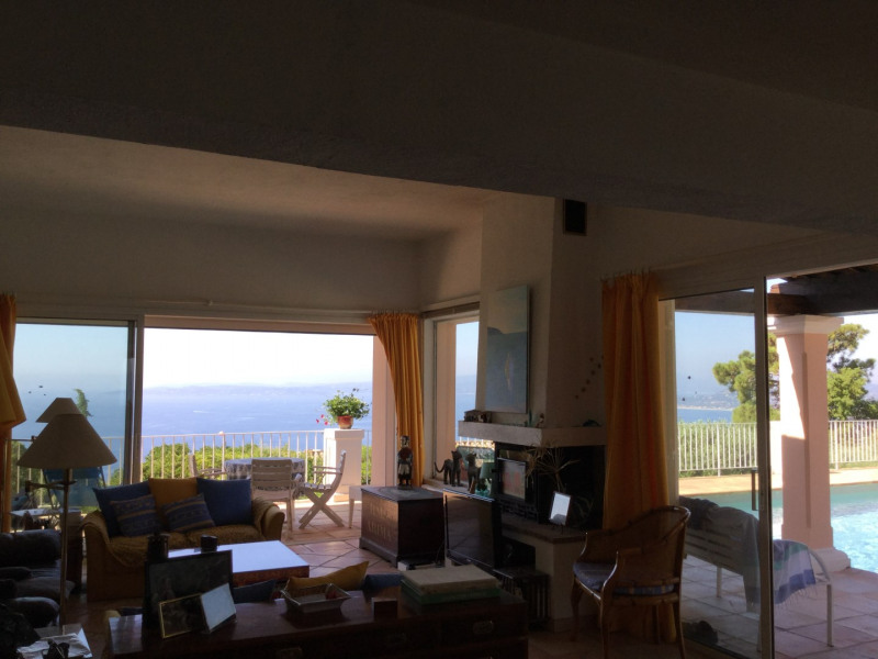 Vacation rental house / villa Les issambres 2 500€ - Picture 16