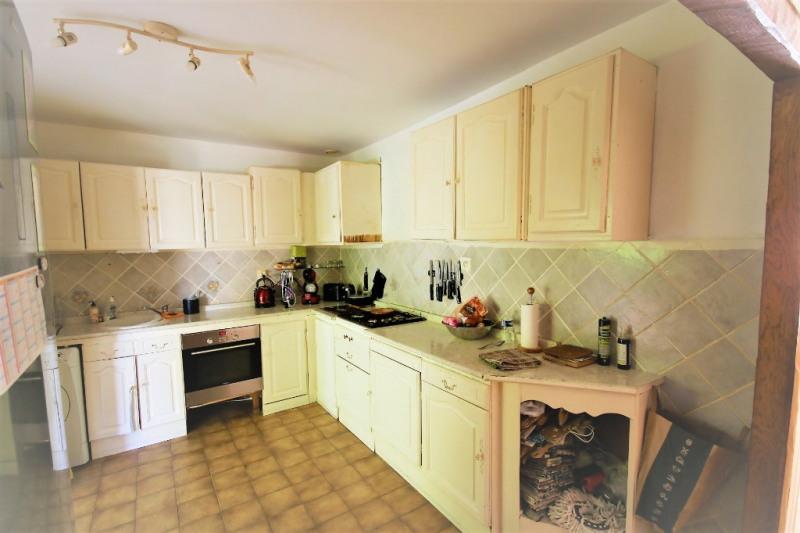Sale house / villa Peyrolles-en-provence 315000€ - Picture 3