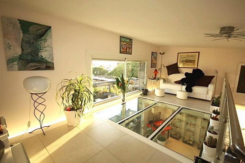 Sale apartment Antibes 985000€ - Picture 3