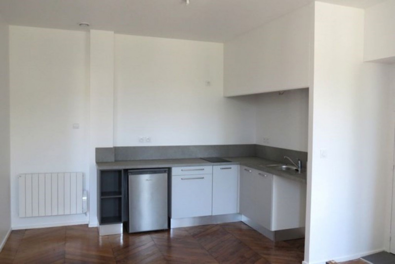 Location appartement Caluire et cuire 646€ CC - Photo 2