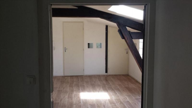 Locação apartamento Réalmont 350€ CC - Fotografia 3
