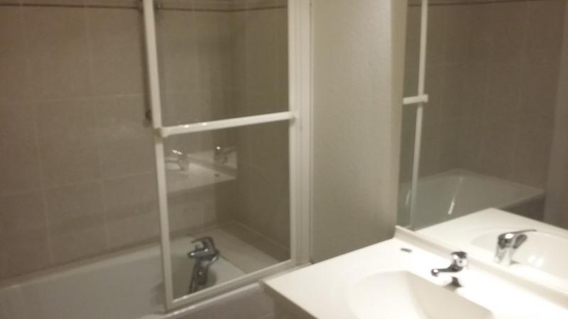 Location appartement La brède 605€ CC - Photo 6