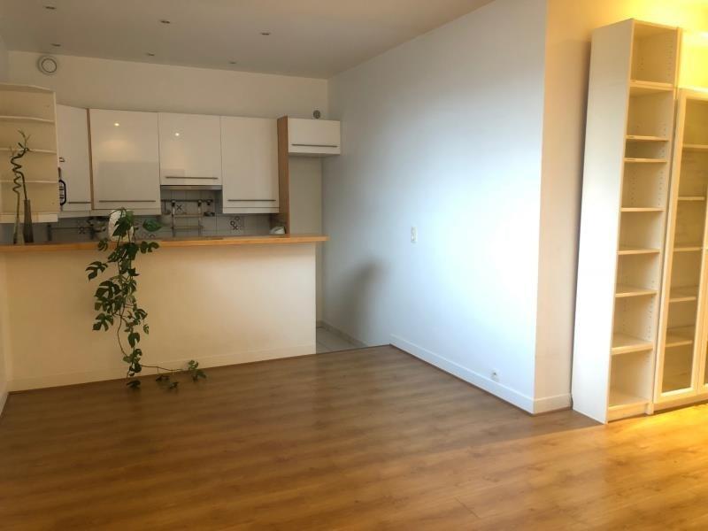 Sale apartment Courbevoie 315000€ - Picture 2