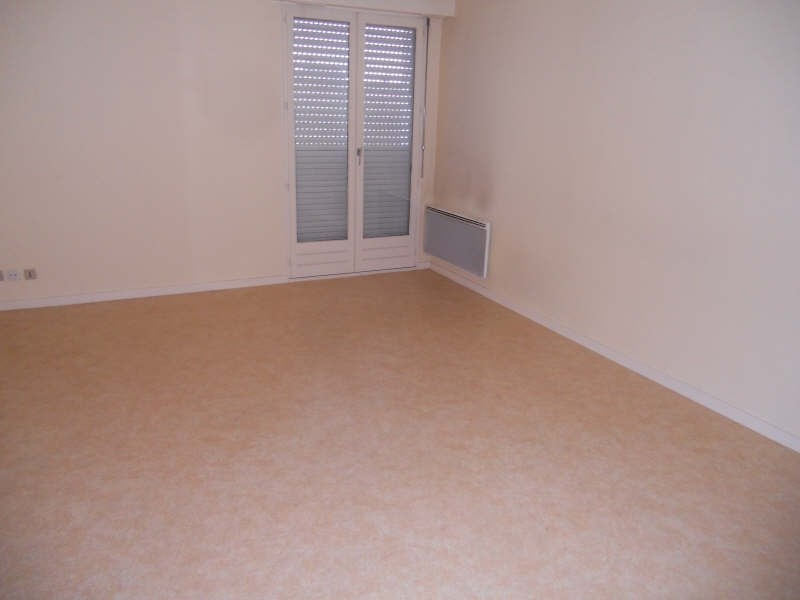 Location appartement Niort 399€ CC - Photo 3