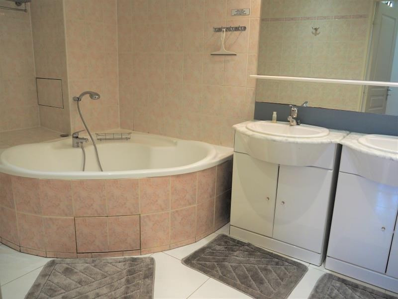 Location appartement Cergy 3200€ CC - Photo 3