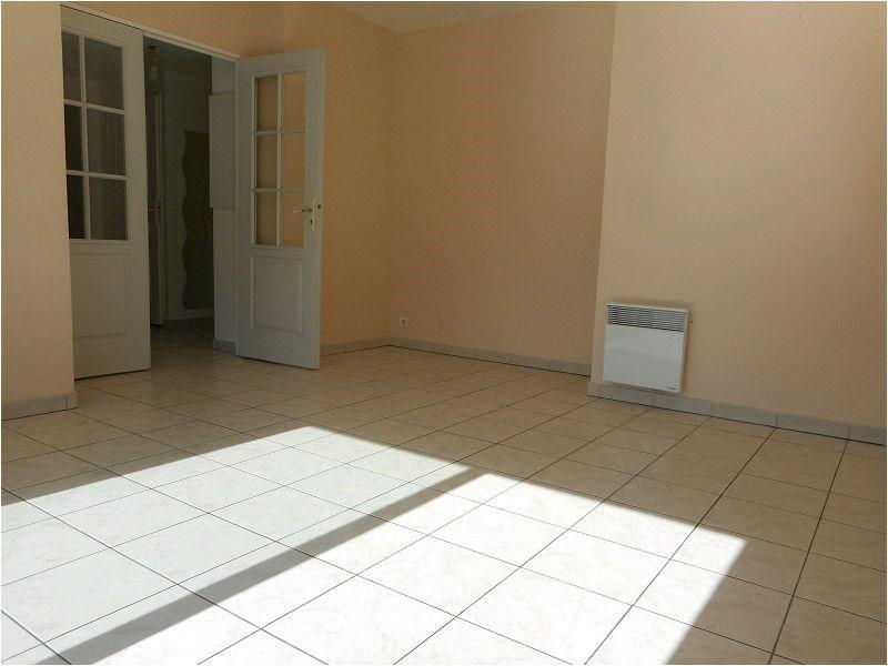 Rental apartment Savigny sur orge 736€ CC - Picture 2