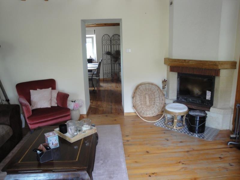 Sale house / villa Montbouton 184000€ - Picture 6