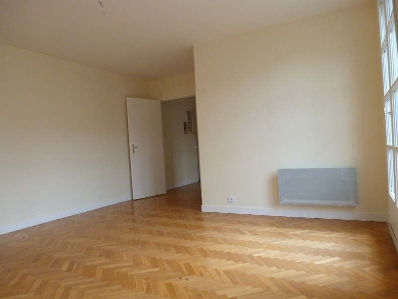 Rental apartment St germain en laye 1 130€ CC - Picture 2