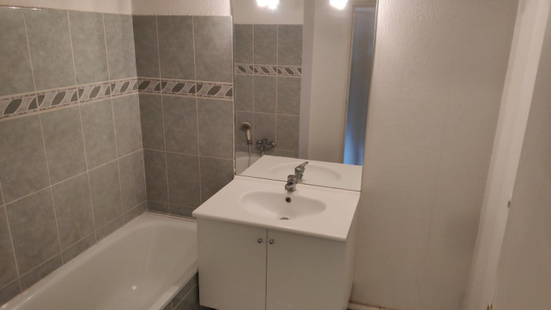 Rental apartment Grasse 748€ CC - Picture 7