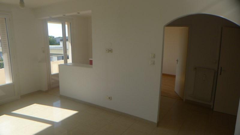 Verhuren  appartement Brignais 604€ CC - Foto 3