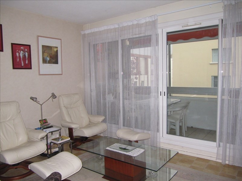 Sale apartment Pau 106 000€ - Picture 2