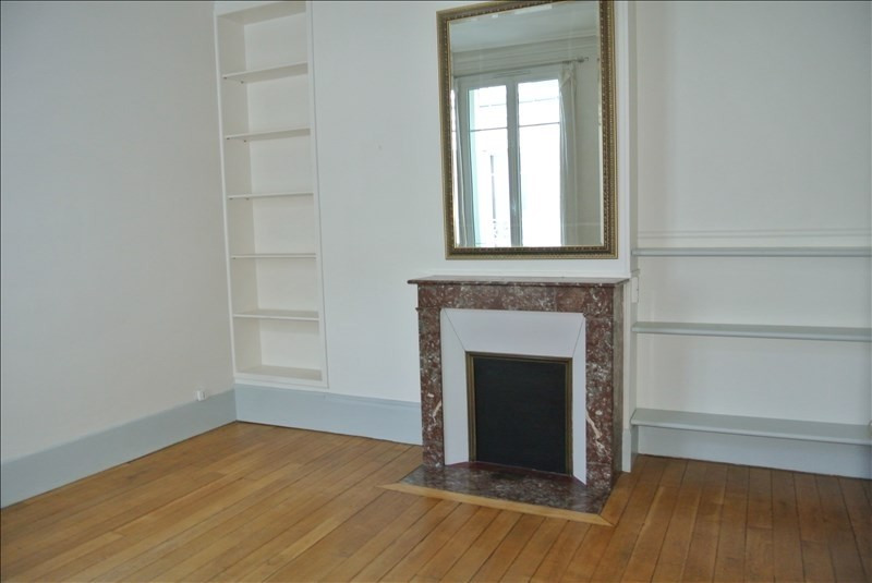 Rental apartment St germain en laye 966€ CC - Picture 3