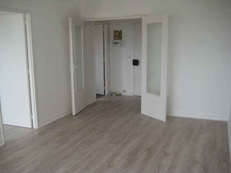 Rental apartment Livry gargan 762€ CC - Picture 1