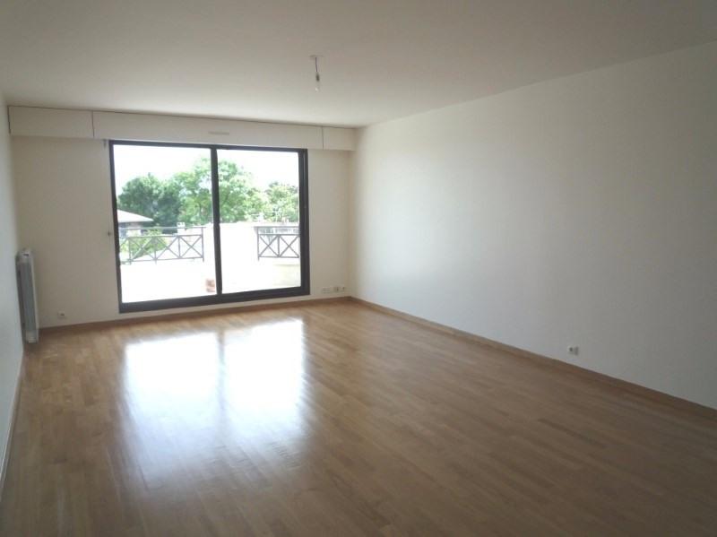 Locação apartamento Garches 2225€ CC - Fotografia 2