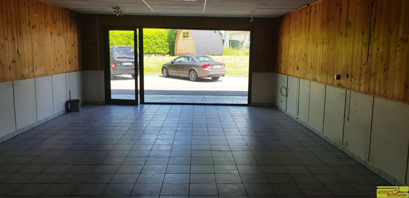 Location local commercial Garidech 568€ CC - Photo 3