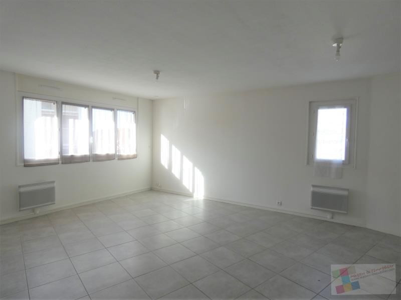 Rental apartment Cognac 570€ CC - Picture 2