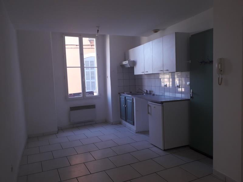 Rental apartment St maximin la ste baume 460€ CC - Picture 1