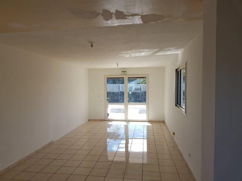 Rental empty room/storage La plaine des cafres 550€ CC - Picture 1