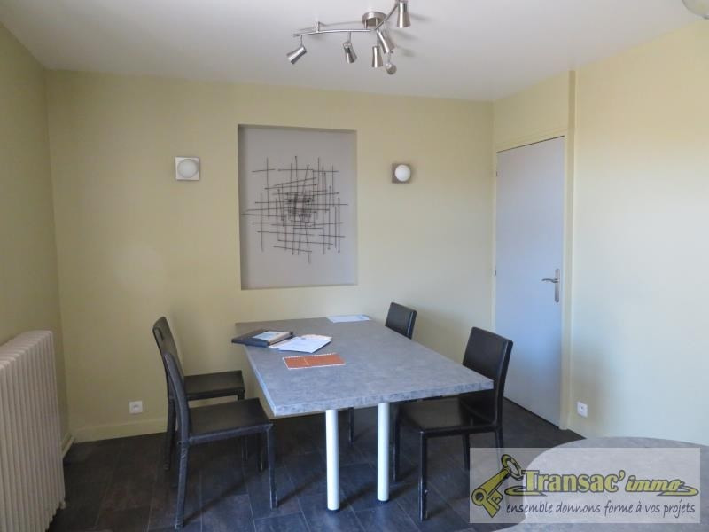 Sale house / villa Puy guillaume 97 650€ - Picture 5