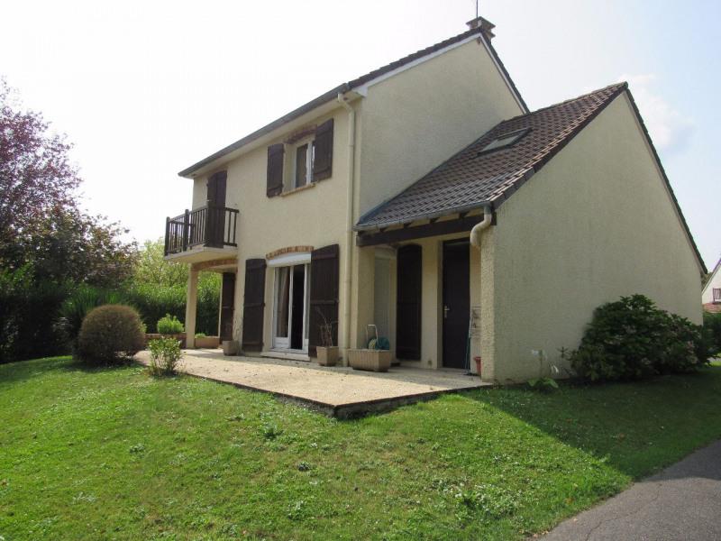Sale house / villa Lesigny 385000€ - Picture 1