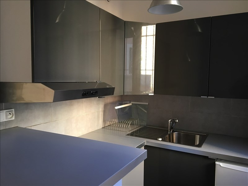 Rental apartment Aix en provence 800€ CC - Picture 2