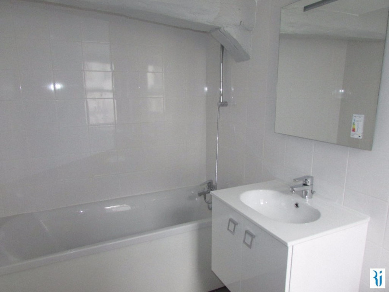 Rental apartment Rouen 645€ CC - Picture 3