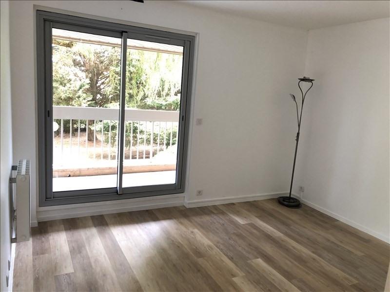 Rental apartment Verrieres le buisson 570€ CC - Picture 2