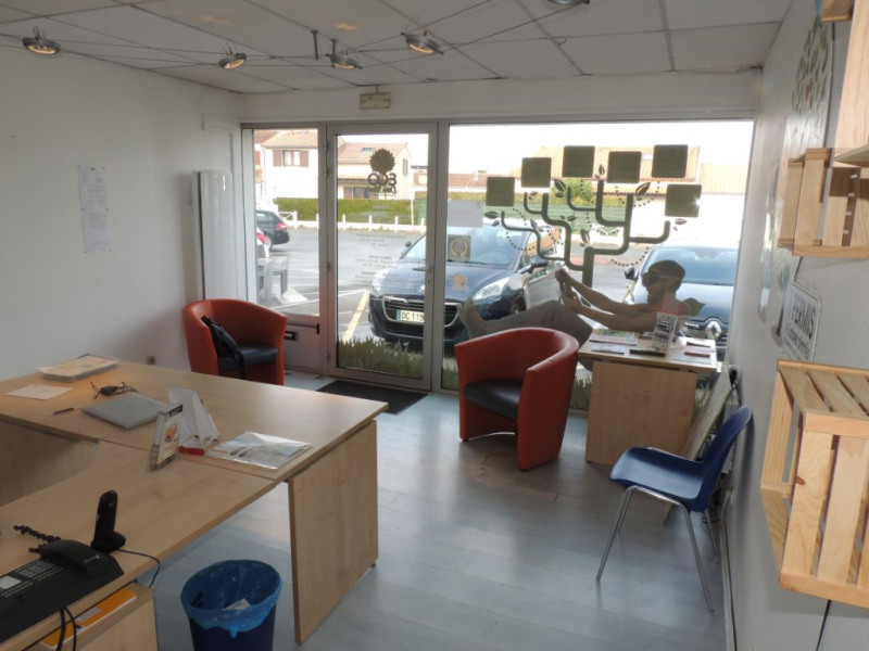 Local commercial 56 m² a louer