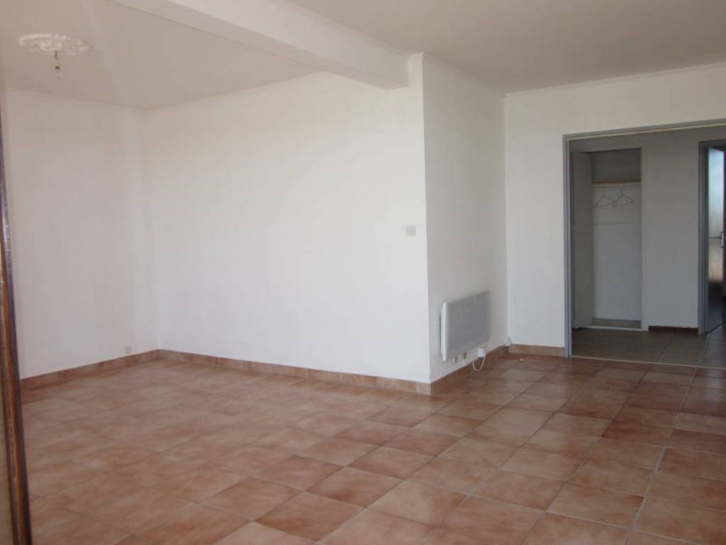 Rental apartment Avignon 656€ CC - Picture 2
