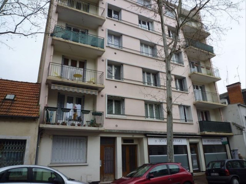 Vente appartement Vichy 74 000€ - Photo 1