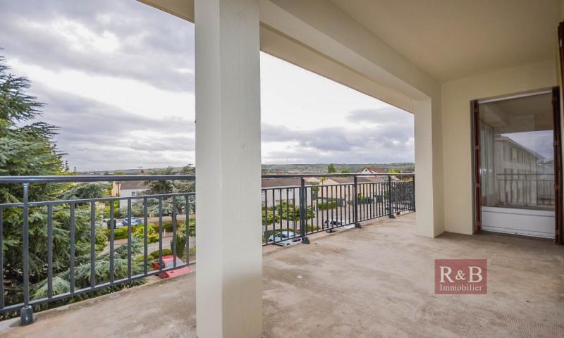 Sale apartment Villepreux 240000€ - Picture 1
