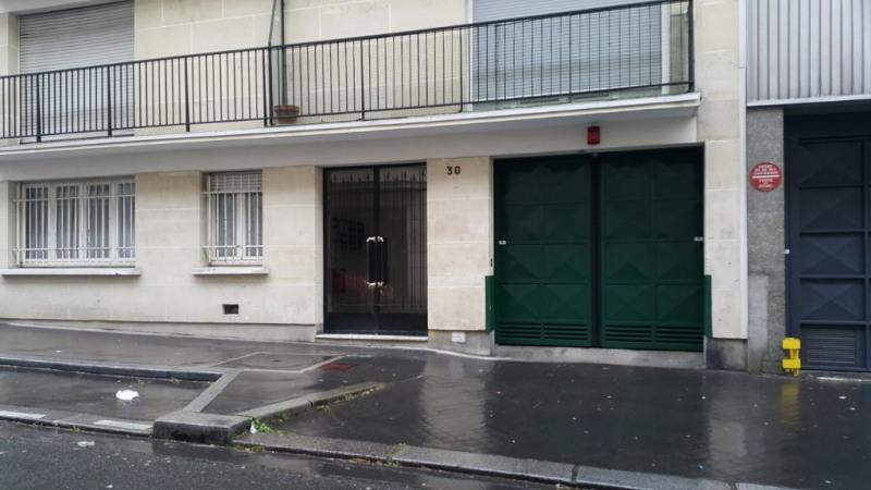 Location parking Paris 15ème 88€ CC - Photo 1