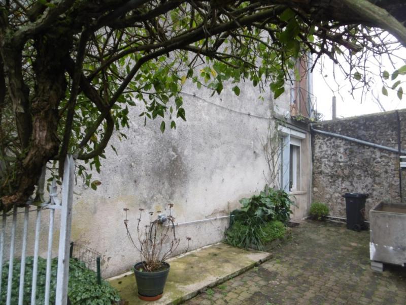 Sale house / villa Chemille sur deme 75000€ - Picture 7