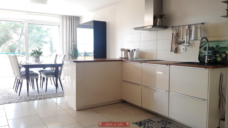 Sale apartment Bormes les mimosas 315 000€ - Picture 2
