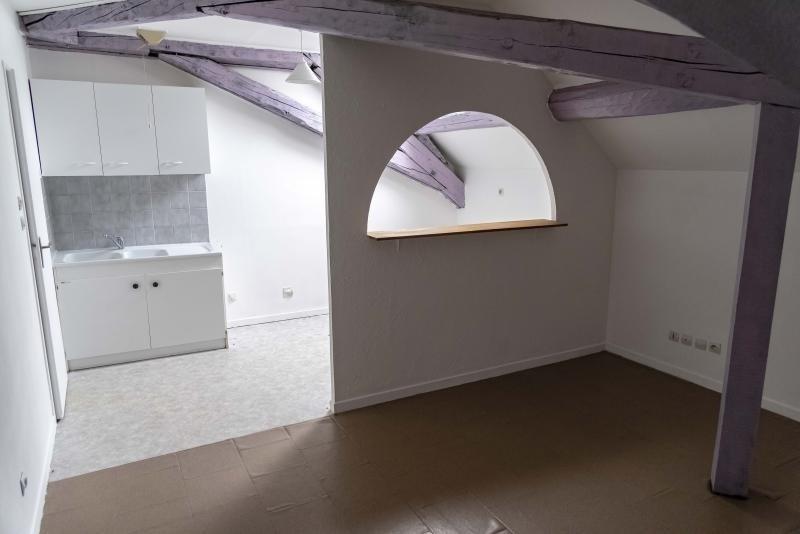 Location appartement Nantua 299€ CC - Photo 2