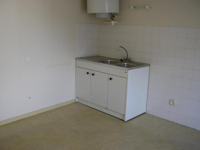 Rental apartment St martin du fresne 231€ CC - Picture 2