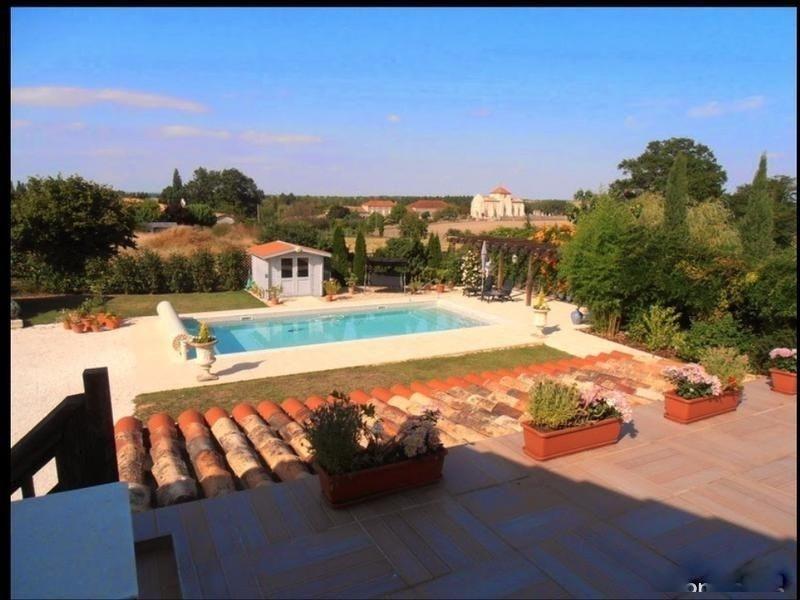 Sale house / villa St andre de cubzac 388500€ - Picture 8