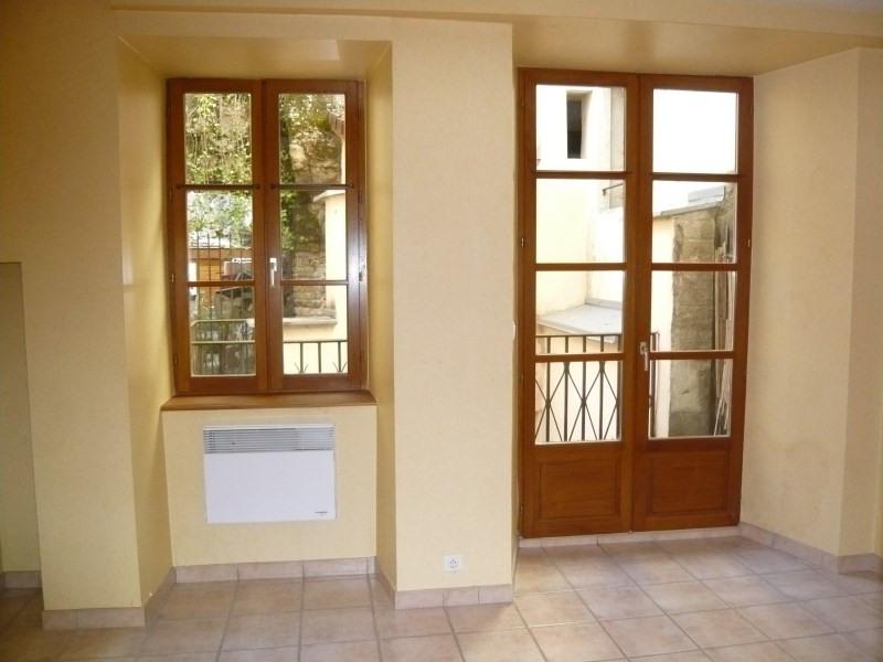 Location appartement Cremieu 550€ CC - Photo 2