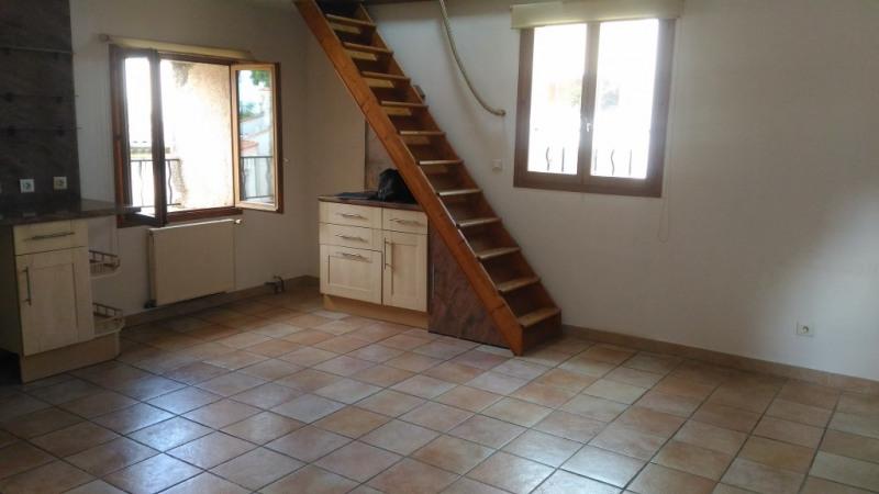 Rental apartment St laurent du var 855€ CC - Picture 2