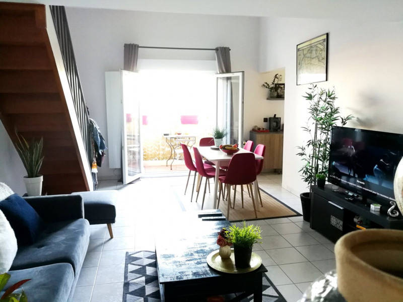 Sale apartment St genis les ollieres 230 000€ - Picture 2