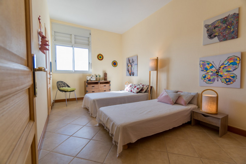 Vacation rental apartment Saint denis 390€ - Picture 5