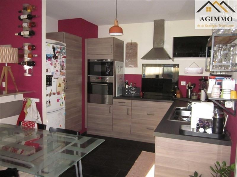 Sale house / villa L isle jourdain 300000€ - Picture 3