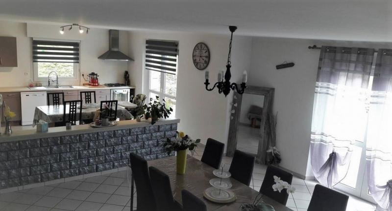 Sale house / villa Le vieux bourg 198 000€ - Picture 2