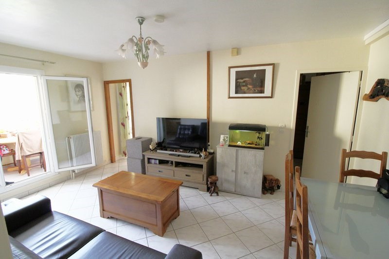 Sale apartment Maurepas 204 999€ - Picture 3
