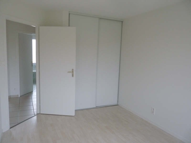 Location maison / villa Dompierre sur yon 690€ CC - Photo 3