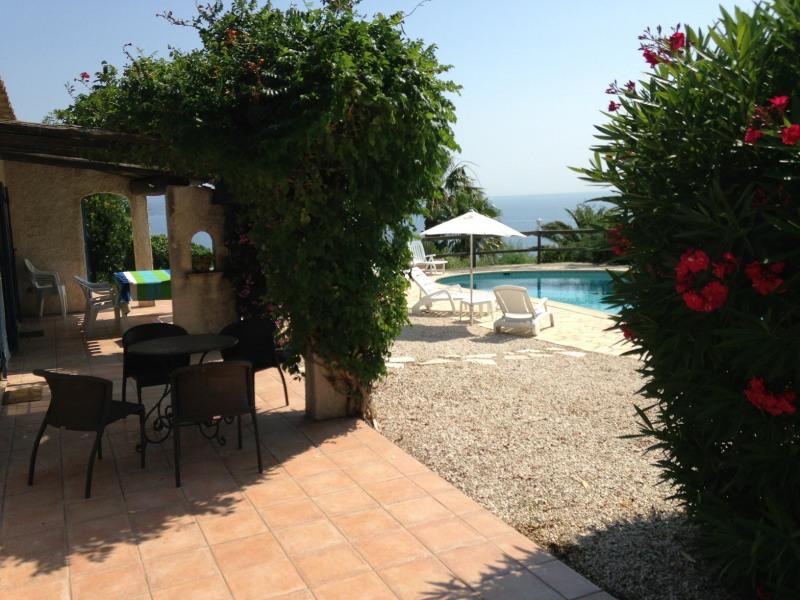 Short-term rental house / villa Les issambres 1627€ CC - Picture 8