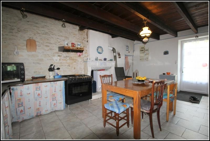 Sale house / villa Taugon 165 000€ - Picture 3