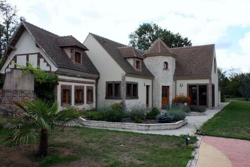 Deluxe sale house / villa Conches en ouche 675 000€ - Picture 1