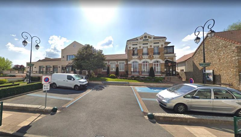 Location maison / villa Villejust 1350€ CC - Photo 12